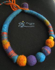 Orange and turquoise felt necklace Felt Bracelet, Felt Necklace, Bracelets, Necklaces, Cute Jewelry, Jewelry Crafts, Handmade Jewelry, Textile Jewelry, Fabric Jewelry