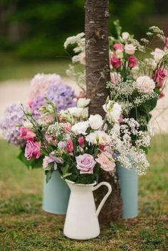 Voici ma petite sélection de déco pour un mariage champêtre en extérieur, ce qui sera mon cas : Merci au site Pinterest qui m'aide chaque jour à savoir ce que je voudrais et surtout à Mlle Camicase et Alabama J qui me l'ont fait découvrir