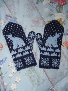 Картинка Fair Isle Knitting, Knit Mittens, 2 Colours, Polar Bear, Fiber Art, Crocheting, Knit Crochet, Gloves, Cross Stitch