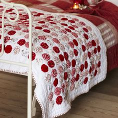 Red and white yo yo quilt ~ like peppermint candies