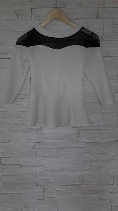 Biała bluzeczka z baskinką
