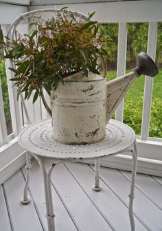 Chateau Chic: It's Porch Time PAINT AN OLD WATERING CAN