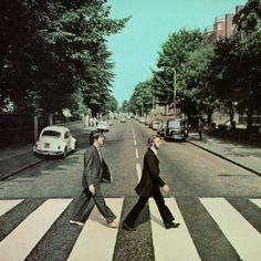 words cant describe how sad I am about this. Famous Album Covers, Classic Album Covers, Rock Album Covers, John Lennon, Les Beatles, Beatles Funny, Beatles Art, Abbey Road, Great Bands