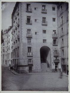 Arco de Cuchilleros y Cava de San Miguel, década de 1930 Madrid