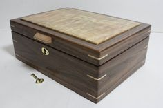 Locking Walnut with Quilted Maple Box. Nice Size