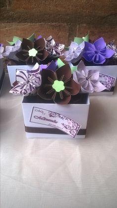 Cajitas souvenir de flores de origami