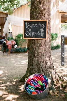 This is genius! | CHECK OUT MORE IDEAS AT WEDDINGPINS.NET | #weddings #uniqueweddingideas #unique