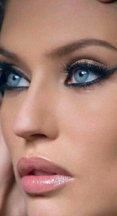 Rosemary G Frangini - Make Up 2019 Most Beautiful Eyes, Stunning Eyes, Pretty Eyes, Cool Eyes, Makeup Guide, Woman Face, Lip Colors, Beauty Makeup, Glam Makeup