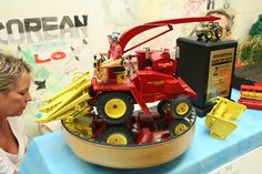 1/16 New Holland Crop Cruiser