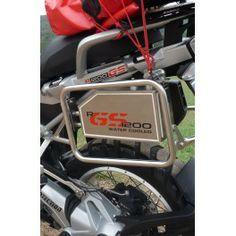 Caja de Herramientas para BMW R1200 GS LC, fabricada en aluminio de 2 mm. Estanca al agua, fácil colocación y no entorpece las maletas laterales.