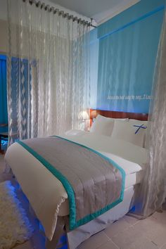 In our Aqua Blue Moon Room, your restful experience achieves it's apex. To offer you a new dimension of wellbeing we have equipped our Aqua Blue Moon Room with a spectacular water bed, to give you the maximum restful stay.