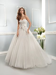 >> Click to Buy << 2017 Elegant Custom A-Line Wedding Dresses Lace Sweetheart Flowers Ruched Tulle Open Back Court Train Bridal Gowns #Affiliate