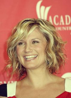 wavy bob new style for 2013 | Short Celebrity Hairstyles 2012 - 2013 | 2013 Short Haircut for Women