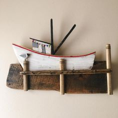 Crab Boat wall decor with hooks and fabric garland pallet wood rustic island coast fishing laughing gull Scrap Wood Art, Wooden Art, Wood Wall Art, Rustic Wood Crafts, Driftwood Crafts, Buy Driftwood, Deco Marine, Driftwood Sculpture, Fabric Garland