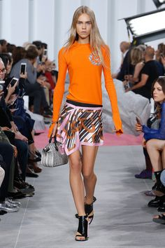 See the complete Carven Spring 2017 Ready-to-Wear collection.