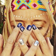 Bohemian arrow silver and navy #nails art #mani