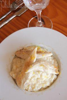 Risotto fondant au citron & aiguillettes de poulet  250 g de riz Arborio Riso Gallo - 2 litres de bouillon de volaille - 12 aiguillettes de poulet - 2 échalotes - 20 cl de vin blanc sec - 120 g de Philadelphia - 1 citron jaune - 60 g de beurre - 1 filet d'huile d'arachide
