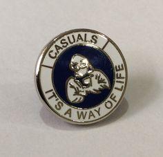 Casuals Enamel Badge Blue/White Millwall hooligans & Kilmarnock FC my Scottish team. Same scarf. Millwall Fc, Football Casuals, Vintage Fashion, Vintage Style, Badge, Blue And White, Mens Fashion, Gcse Art, Working Class