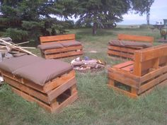 fire pit seating made from pallets ...like the general idea but would want it to look better than this example