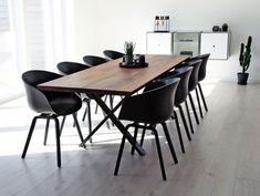 Unikke håndlavede plankeborde efter dine mål, ønsker og behov. Nordiske tidsløse designs produceret i høj kvalitet, som passer ind i enhver bolig. Oplev vores forskellige designs og bliv inspireret på Naturplank.dk 🌿