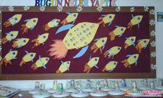 Okul öncesi etkinliklerin tüm yönleriyle incelendiği ve okul öncesi eğitim hakkında her türlü etkinliklerin paylaşım merkezidir. Pre School, Solar System, Preschool Activities, Classroom, Kids Rugs, Frame, Ideas, Astronaut, Silk