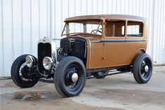 1931 FORD MODEL A CUSTOM 2 DOOR SEDAN   Made by Gas Monkey Garage. On Fast N Loud Episode. In 2013 Barrett-Jackson auction