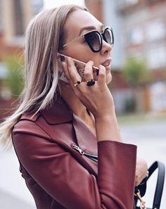 Os óculos #Prada são marca registrada da mulher moderna!  #oticaswanny