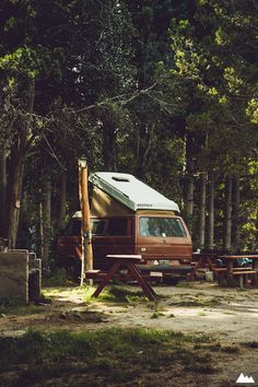Volkswagen pop-up van in the woods Vw T3 Westfalia, T3 Vw, Volkswagen Bus, Vw Camping, Camping Life, Camping Ideas, Glamping, Vw T3 Camper, Camper Van