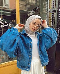 new fashion hijab outfits casual muslim 18 – Hijab Fashion 2020 Modern Hijab Fashion, Hijab Fashion Inspiration, Muslim Fashion, Modest Fashion, Fashion Outfits, Casual Hijab Outfit, Hijab Chic, Casual Outfits, Tokyo Street Fashion