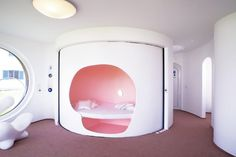 Rotor House by Luigi Colani. Space age living with style. Futuristic Bedroom, Futuristic Interior, Retro Futuristic, Luigi, Colani Design, Sleeping Nook, Four Rooms, Tiny House Living, Living Room