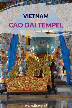 Zeer indrukwekkend en kleurrijk is de Cao Dai Tempel. Aan de buitenkant is de tempel gedecoreerd met draken in alle soorten en maten. Binnenin staan beelden van Jezus Christus, Boeddha en de Hindoegod Brahma vredig naast elkaar. Hier lees je meer informatie over deze tempel. Lees je mee? #caodai #tempel #caodaitempel #vietnam #jtravelblog #jtravel