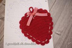 Realizziamo insieme questa presina a uncinetto a forma di cuore. Ho disegnato anche uno schema per facilitarvi, ma vi assicuro che è davvero molto semplice. Camilla, Free Crochet, Crochet Hats, Chrochet, Crochet Projects, Free Pattern, Crochet Earrings, Creative, Blog