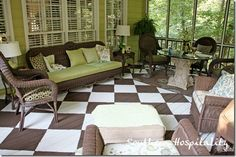 Screened Porch - Brown/White Checkered Floor