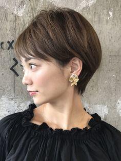 「耳掛けリラックスショート」 ショートのヘアスタイル。シンプルに可愛くなるスタイルです!