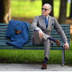 Inspired Looks For An Elegant Man : Style has no ageâ. Style Gentleman, Gentleman Mode, Suit Fashion, Look Fashion, Mens Fashion, Autumn Fashion, Mode Masculine, Style Dandy, Style Masculin