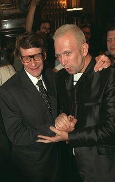 Yves Saint Laurent et Jean Paul Gaultier en Juillet 1998. Haute couture hiver 1998/99. Getty Images.