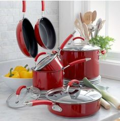 Love the red Kitchen Tools, Kitchen Appliances, Sweet Home, Dining Room, Gadgets, 1, Gift Ideas, Colors, Heart