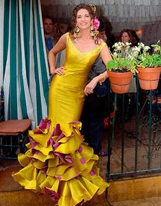 Cañavate Moda · Moda flamenca, Trajes de flamenca, Vestidos de novia, Trajes de novia, Moda rociera, Trajes de feria, Vestidos de fiesta, trajes de noche » Flamenca