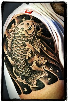 I honestly adore the different shades, lines, and detail. This is definitely an amazing layout if you really want a Dragon Koi Tattoo Design, Koi Fish Tattoo, Fish Tattoos, Tatoos, Japanese Tattoo Symbols, Tattoo Japanese, Samurai Tattoo, Japanese Design, Sleeve Tattoos