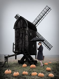 The Travelling Lady and the Windmill; photograph by Ralph Gräf. From the joint project with Uta Schönknecht