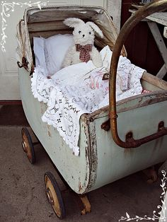 #Bunny's carriage ... perfectly rusty, chippy, shabby! #shabby chic #doll carriage