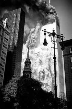 South Tower Of The World Trade Center Collapsing World Trade Center Collapse, World Trade Center Buildings, World Trade Center Nyc, Rare Photos, Photos Du, Monuments, 911 Twin Towers, 11 September 2001, North Tower