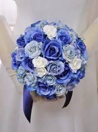 ブルー×水色×白 : ラウンドブーケの写真で学ぶ。ブーケの配色比率を見 ...