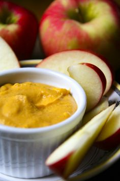 Healthy Pumpkin Dip | Healthy Seasonal Recipes @Katie Webster #snack