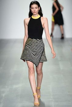David Koma Spring 2015 Ready-to-Wear - Collection - Gallery - Look 25 - Style.com