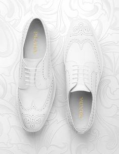 Prada white shoes creative still life photography. Luxury goods still li Ankle Sneakers, Sneakers Mode, Slip On Sneakers, Leather Sneakers, Sneakers Fashion, Ankle Boots, Fashion Still Life, Still Life Photographers, Shoes Photo