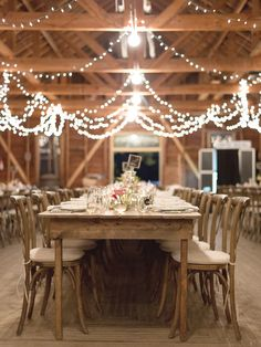 Photography : Jeremiah And Rachel Photography | Floral Design : Habitat Events Read More on SMP: http://www.stylemepretty.com/2014/04/07/rustic-farm-to-table-wedding-in-montana/