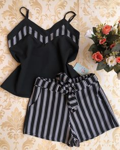 comfy and cute outfits Chic Outfits, Trendy Outfits, Summer Outfits, Girl Outfits, Fashion Outfits, African Print Fashion, African Fashion Dresses, African Dress, Baby African Clothes