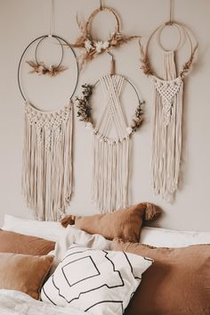 Boho Diy, Boho Decor, Bohemian Crafts, Molduras Shabby Chic, Macrame Wall Hanging Diy, Macrame Design, Macrame Projects, Macrame Patterns, Diy Wall Decor