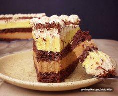 Još jedna torta sa lješnjacima, eurokremom i čokoladom...fina :)
